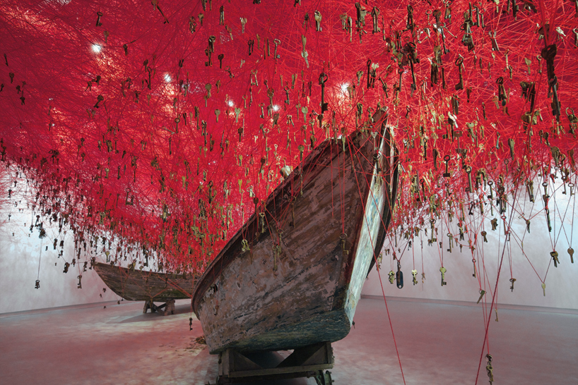 chiharu-shiota-the-key-in-the-hand-venice-art-biennale-designboom-02