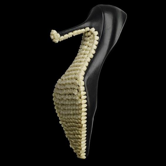 fantich-young-darwinian-voodoo-apex-predator-designboom-06-565x565
