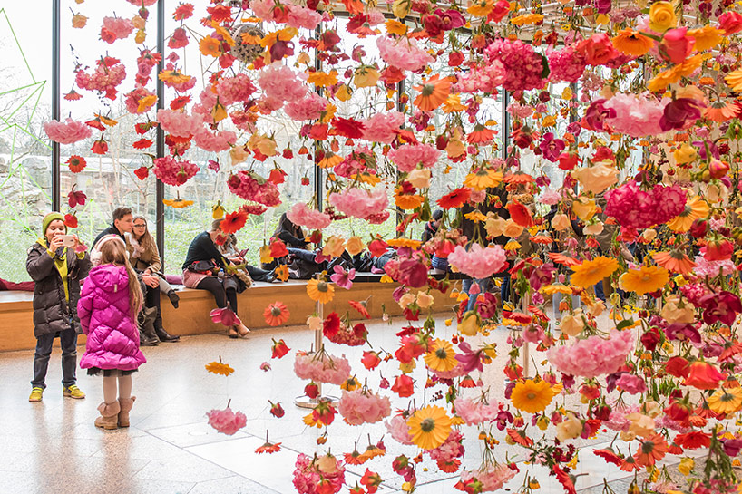 rebecca louise law's flower installation at berlin's bikini mall in 2016