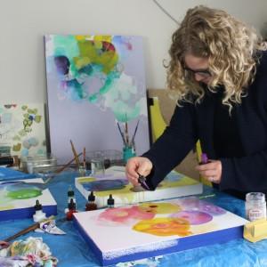 Wendi-Turchan-in-studio