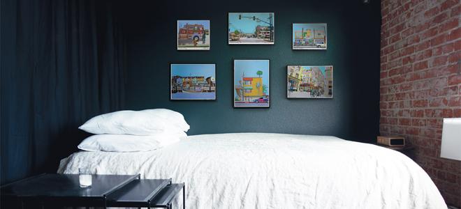 feat-dark-bedroom-1-room-6-ways