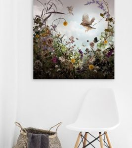 Florals on the wall brings a spring state of mindhellip