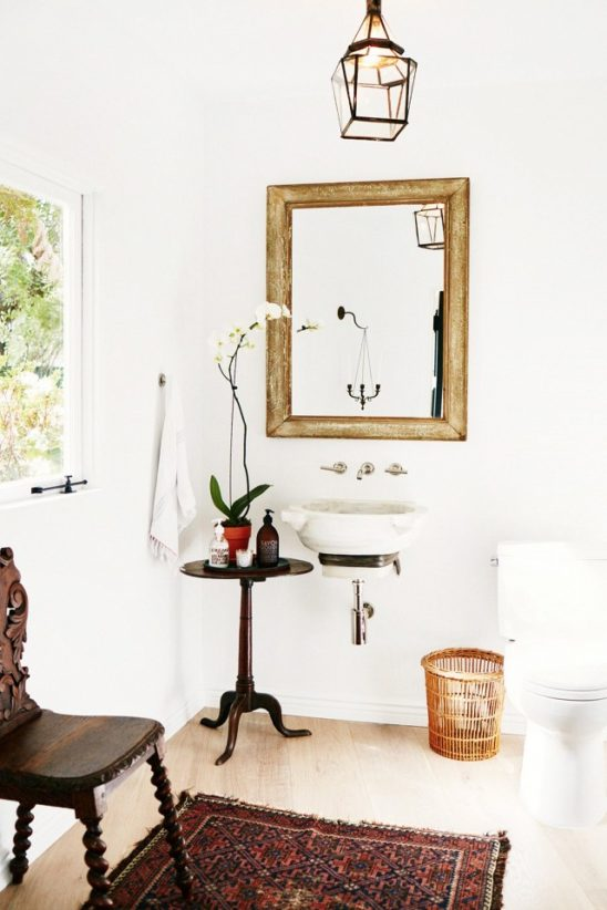 before-and-after-katherine-powers-petite-powder-room-1683979-1457047931-640x0c